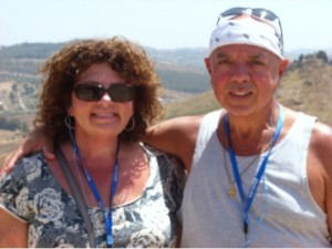 carlos and wife with mountains in back